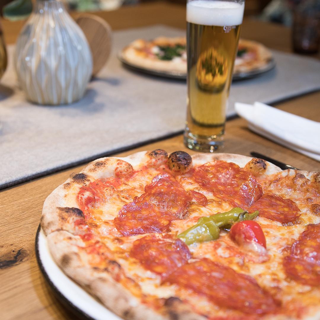 Gemütliches Pizza-Essen im Connys
